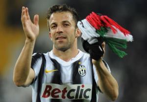 Why Should Alessandro Del Piero extend his contract for 1 more season