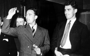 Two one-club brothers: Arsenal's Leslie and Denis Compton
