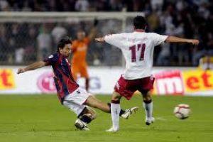 Un tempranero gol recuerda al Bolonia el sabor de la victoria