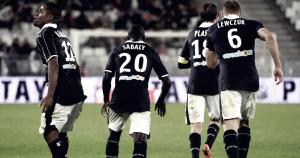 Lyon roba un punto en Matmut Atlantique
