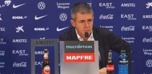 """Alcaraz: """"Tendríamos que haber marcado al principio porque luego nos ha tocado sufrir"""""""
