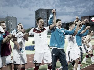 Germany under-17 1-0 Russia under-17: Serra soars above the rest to secure final berth