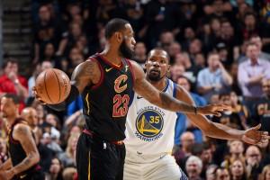 NBA Finals - Cleveland per allungare la serie, Warriors per chiuderla