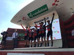 Giro di Svizzera, cronoprologo alla BMC. Kung primo leader