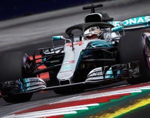 F1, Gp di Gran Bretagna - La pole è di Hamilton, ma che lotta con le Ferrari