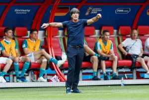 Germania, Loew in bilico