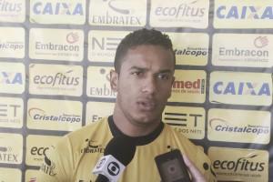 """Lateral do Criciúma, Diogo Mateus lamenta erros de arbitragem: """"Sentimento de frustração"""""""
