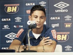 """Diogo Barbosa é apresentado oficialmente e exalta acerto com Cruzeiro: """"Não pensei duas vezes"""""""