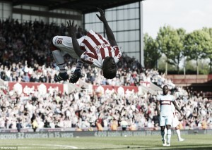 Stoke City 2-1 West Ham United: Diouf header leaves Hammers' European dream in the balance