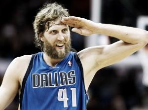 NBA, Dirk Nowitzki resta a Dallas: biennale da $40 milioni