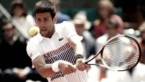 Djokovic bate Pospisil na estreia em Eastbourne