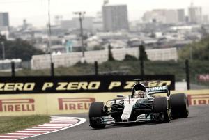 F1, Qualifiche - Hamilton spaziale, decima pole di stagione a Suzuka!