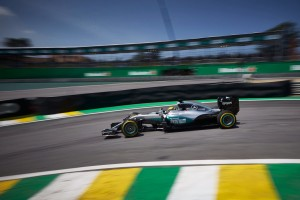 F1, Mercedes - Bottas elogia Hamilton