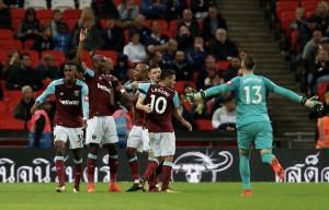 Carabao Cup - Impresa West Ham, Tottenham al tappeto