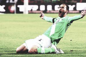 Dost encarrila la eliminatoria para el Wolfsburgo