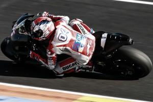 "Andrea Dovizioso: ""La moto nos permite un abanico mayor de ajustes"""