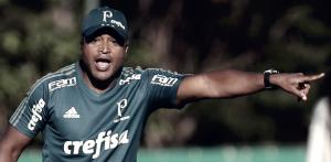 Com Michel Bastos titular, Roger Machado esboça provável Palmeiras contra o Mirassol