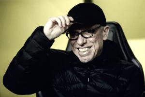 """Após vitória emocionante, Peter Stöger mostra confiança no Dortmund: """"Difícil nos vencer"""""""