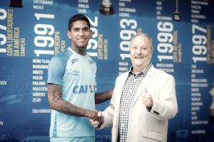 Mais três! Cruzeiro renova contrato de jovem atacante Raniel até 2022