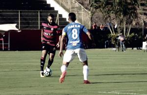Com técnico interino, Vitória recebe modificado Cruzeiro no Barradão