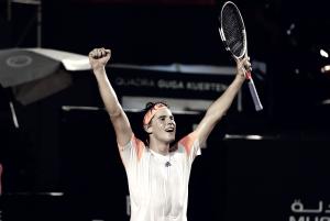 Thiem estreia com pé direito e vence tenista sérvio por bicampeonato do Rio Open
