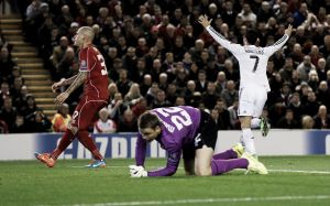 Real Madrid decide no primeiro tempo e derrota Liverpool no Anfield