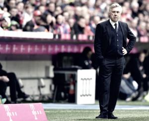 """Carlo Ancelotti lamenta empate do Bayern em casa: """"Foi difícil, mas tínhamos esperado mais"""""""