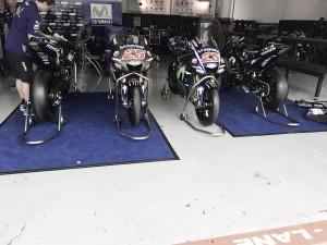 MotoGP, la Yamaha chiude il 2017 sotto l'acqua di Sepang
