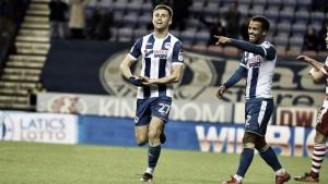 Hat-trick: atacante marca dois na vitória do Wigan e sai a tempo de ver parto do filho