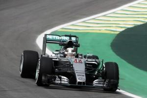 F1, Hamilton il più rapido nelle prime libere in Brasile