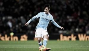 David Silva é dúvida no Manchester City para final da Copa da Liga diante do Liverpool