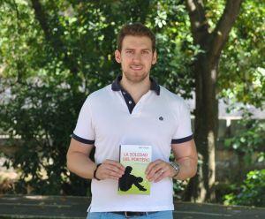 """Santy Menor presenta su libro """"La soledad del portero"""""""