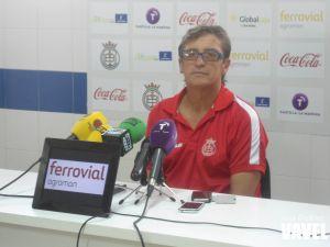 """Jordi Fabregat: """"Jugaremos e intentaremos dominar el partido"""""""