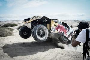 Rally Dakar, día 8 en coches: Peterhansel vuelve a la senda de la victoria