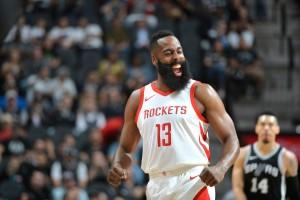 NBA - Harden è ancora una volta trascinatore, battuti gli Spurs; vittoria in scioltezza dei Timberwolves contro i Bucks
