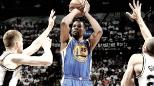 NBA Playoffs: rullo compressore Golden State, al tappeto San Antonio (120-108)