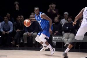 Legabasket, Brindisi domina Avellino