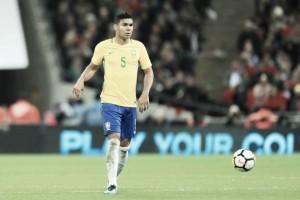 Sustentação: solidez que Casemiro e Fernandinho trouxeram ao meio-campo da Seleção Brasileira