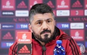 """Milan, Gattuso in conferenza: """"Dobbiamo giocare da squadra. Mercato? Arriveranno pochi giocatori"""""""