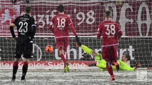 1. FC Kaiserslautern 4-3 1. FC Union Berlin: Phillipp Mwene wins it after three leads let slip