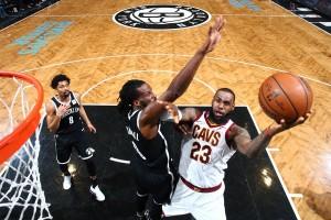 NBA - LeBron guida i Cavs contro i Nets. Agli Spurs non basta Aldridge a Milwaukee