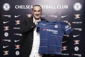 Novo comando: Maurizio Sarri é oficializado como técnico do Chelsea