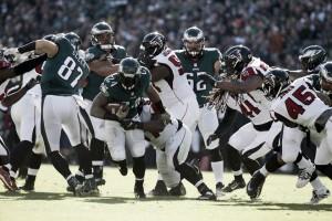 Los Eagles aprovechan el punto débil de los Falcons, la defensa