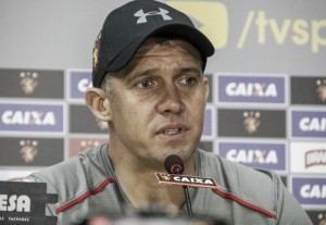 Eduardo Baptista lamenta gol cedo e diz que expulsão desequilibrou Sport