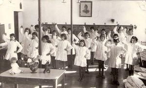 """La """"cruzada y los enemigos de España"""" en la educación franquista"""