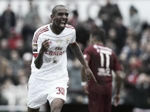 Victoria con lo justo del Benfica ante Oriental