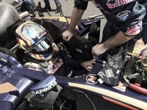 """Carlos Sainz sobre su salida: """"Se me ha parado el motor justo antes de salir"""""""
