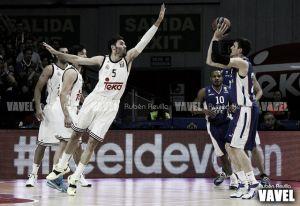 El Efes fuerza el cuarto partido con un triple sobre la bocina