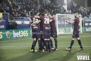 Previa Eibar - Deportivo: ganar o ganar