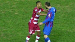 Cuatro partidos de sanción para El Arabi y dos para Colunga por sus rojas